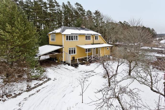 Bild: 8 rum villa på Tornugglevägen 23a, Uppsala kommun Sunnersta