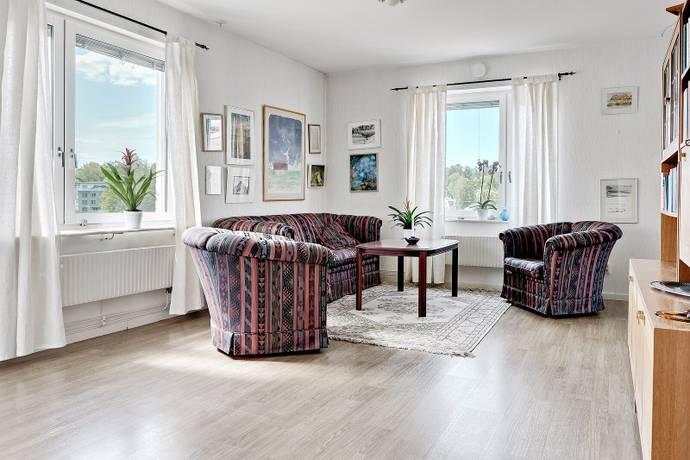 Bild: 3 rum bostadsrätt på Ekedalsvägen 11 B, Järfälla kommun