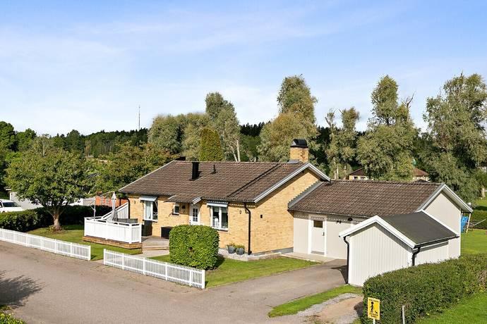 Bild: 4 rum villa på Tidalsvägen 2, Åtvidabergs kommun BJÖRSÄTER