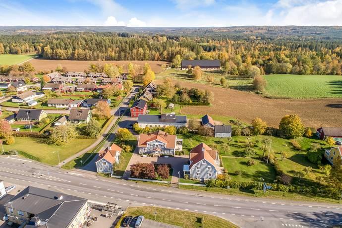 Bild: 8 rum gård/skog på Växjövägen 5, Vetlanda kommun Korsberga
