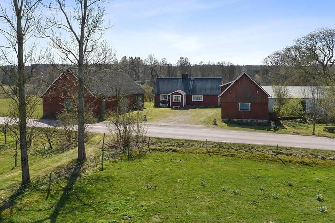 Bild: 4 rum gård/skog på Tockarp 593, Örkelljunga kommun Tockarp