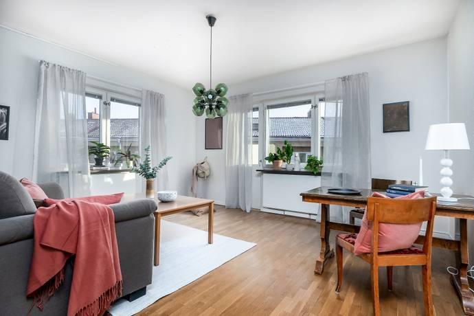 Bild: 2 rum bostadsrätt på Hertig Karls allé  66, Örebro kommun Centralt Väster