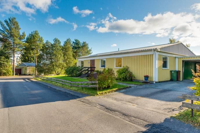 Bild: 5 rum villa på Enbärsgränd 8, Nora kommun Esstorp