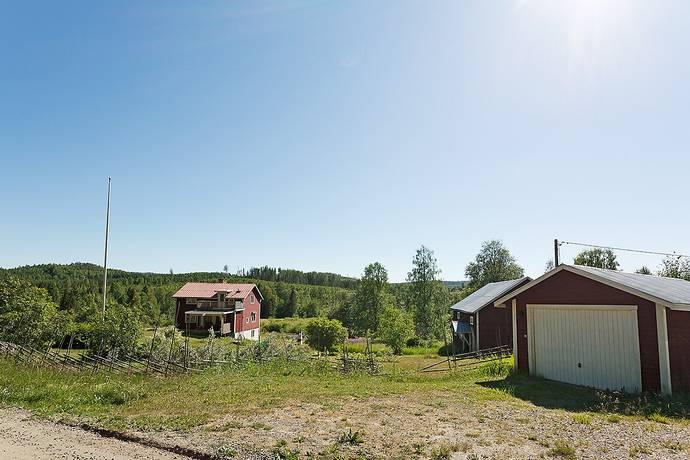 Bild: 3 rum gård/skog på Brattås 107, Sundsvalls kommun Stöde