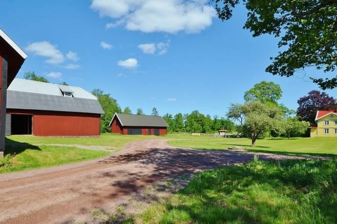 Bild: 5 rum gård/skog på Rya 101, Mönsterås kommun Ålem
