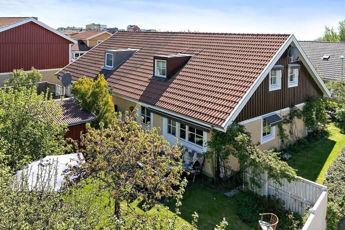 Bild: 5 rum villa på Boställsgatan 26, Linköpings kommun LAMBOHOV