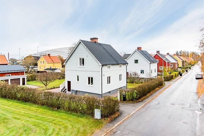 Bild: 4 rum villa på Ängsgatan 3, Sandvikens kommun Örta