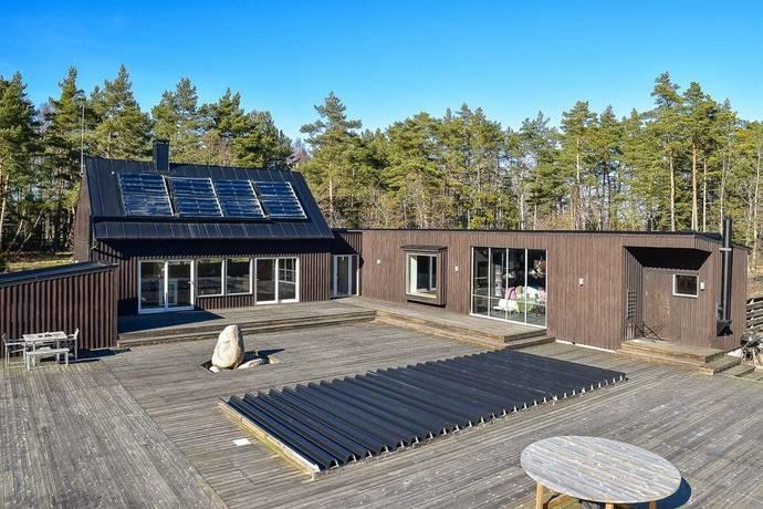 Bild: villa på Skogsgläntan 13, Borgholms kommun Böda-Norrböda