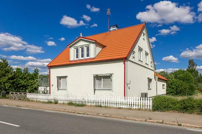 Bild: 8 rum villa på Häradsvägen 17, Hultsfreds kommun Rosenfors