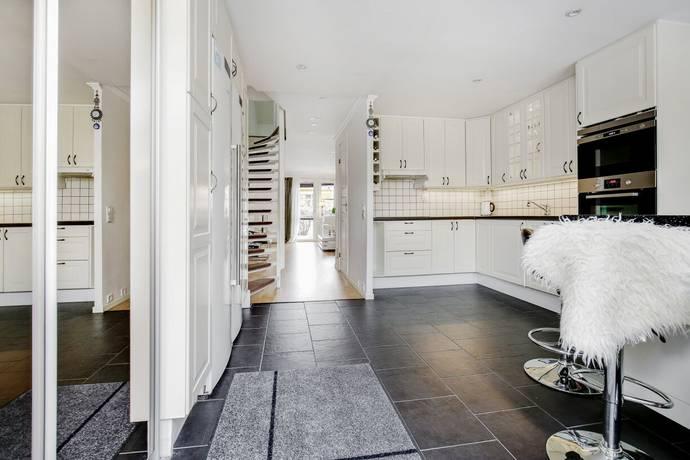 Bild: 4 rum bostadsrätt på Imatragatan 35, Stockholms kommun Akalla Trädgårdsstad
