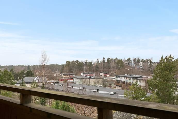 Bild: 90 m² radhus på Byggmästarvägen 163, Huddinge kommun Utsälje
