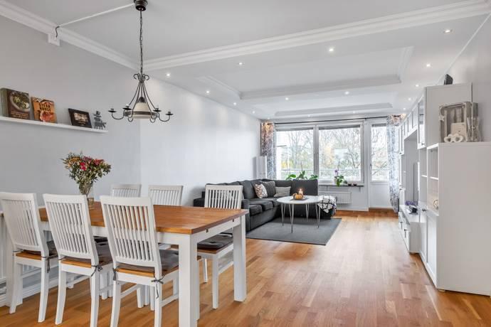 Bild: 2 rum bostadsrätt på Kamomillgatan 30, Uppsala kommun Årsta