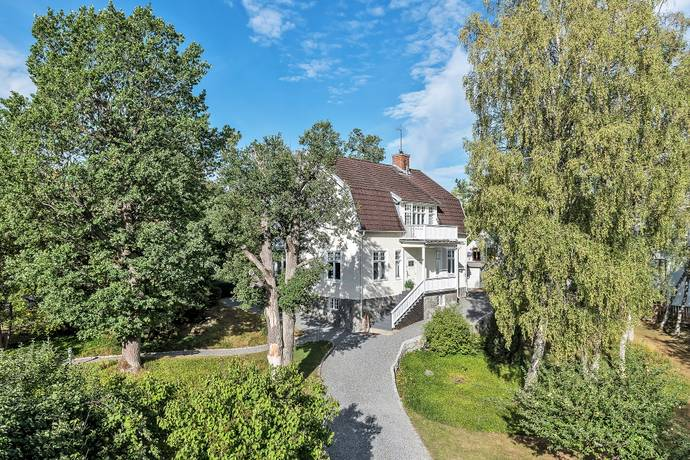 Bild: 10 rum villa på Norevägen 53, Danderyds kommun Djursholm