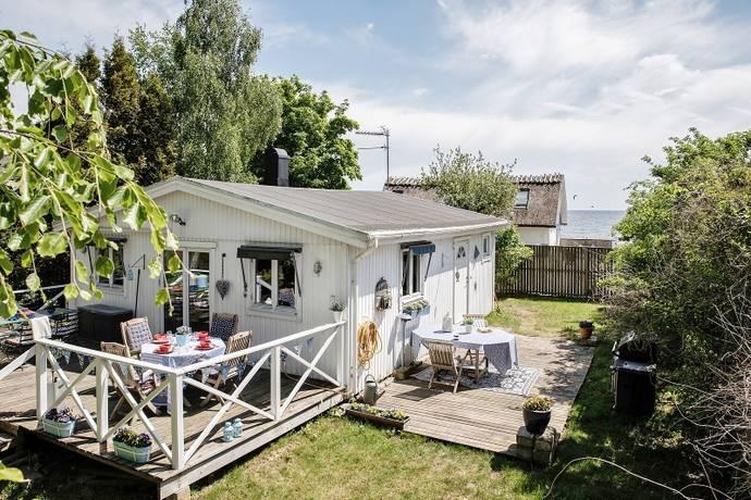 Bild: 2 rum villa på Fredrika Wallis väg 14, Skurups kommun Abbekås