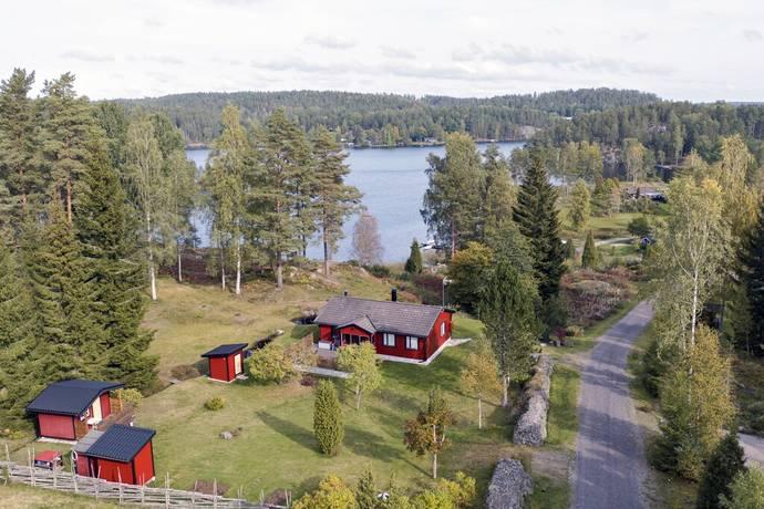 Bild: 3 rum villa på Skansvägen 8, Västerviks kommun Oxebo