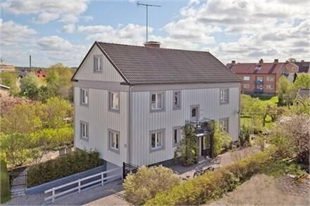 Bild: 9 rum villa på Jungfrugatan 25, Katrineholms kommun Öster