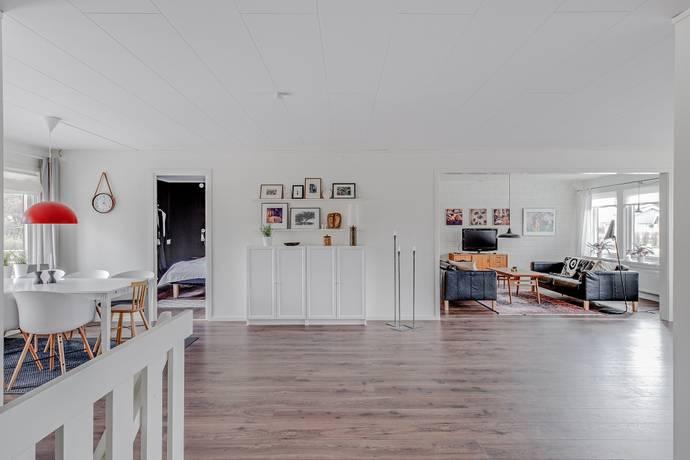 Bild: 7 rum villa på Körsbärsstigen 10, Mjölby kommun Mantorp, Veta