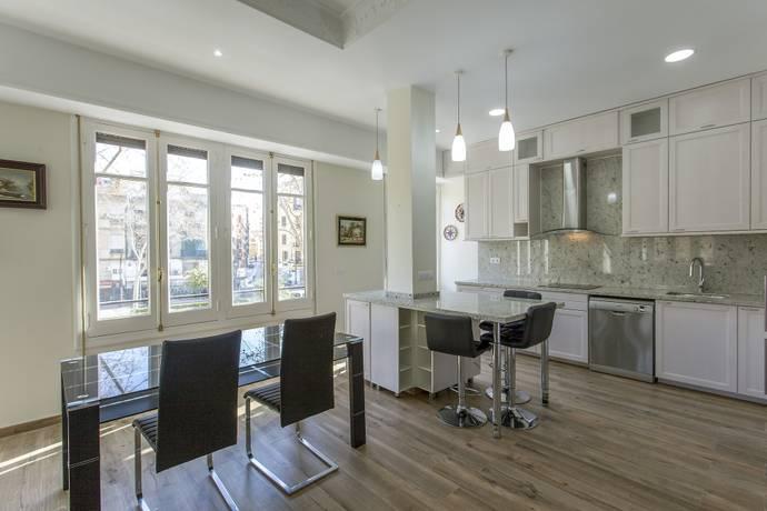 Bild: 3 rum bostadsrätt på Nyrenoverad lägenhet i bra läge Valencia, Spanien Valencia