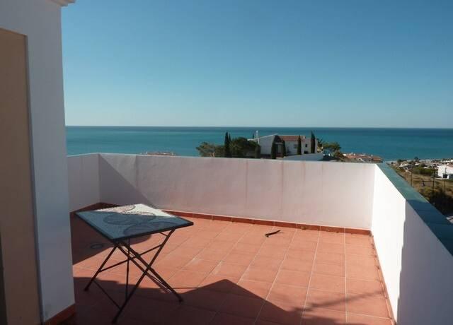 Bild: 4 rum villa på Stilren villa endast ett stenkast från stranden, Torrox, Spanien Torrox Costa