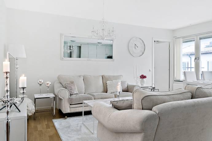 Bild: 2 rum bostadsrätt på Myntvägen 12, Botkyrka kommun Tumba