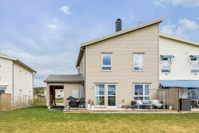 Bild: 5 rum villa på Begoniaslingan  42, Upplands-Bro kommun