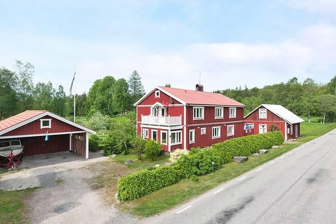 Bild: 9 rum villa på Bolmstad Gamla Affären 1, Ljungby kommun Bolmstad hamn