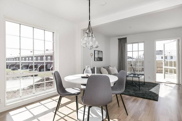 Bild: 5 rum bostadsrätt på Sixtens Väg 8A, Örebro kommun Lillån