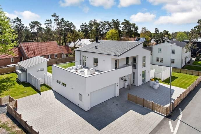 Bild: 7 rum villa på Åvägen 3, Kristianstads kommun ÅHUS - Äspet
