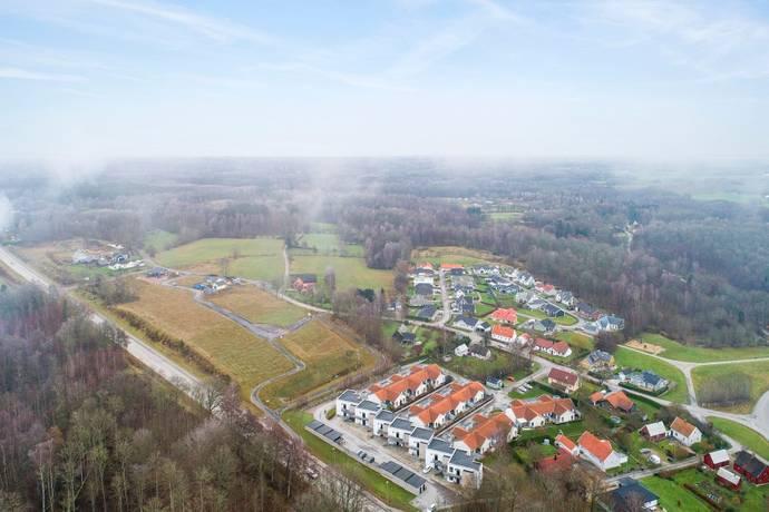 Bild från Hörby-centralt - Brf Fjärilsbacken