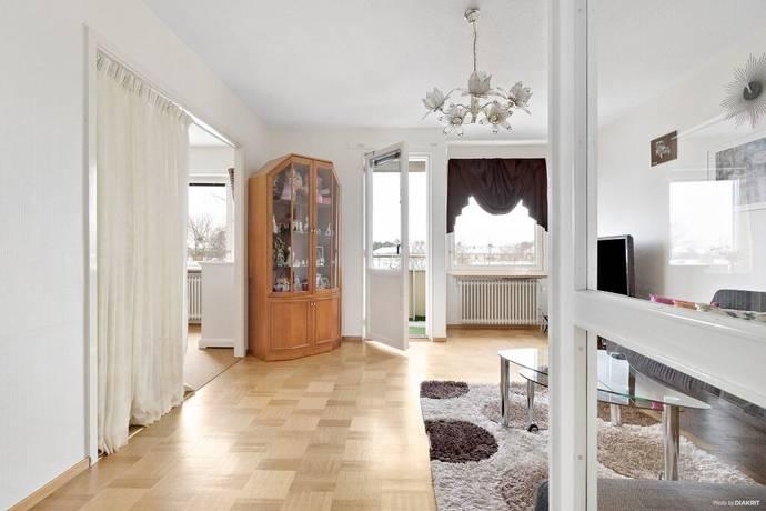 Bild: 3 rum bostadsrätt på Astrakangatan 4, Stockholms kommun Hässelby Gård