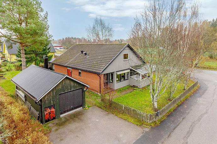 Bild: 5 rum villa på Stämjärnsvägen 2, Heby kommun Östervåla