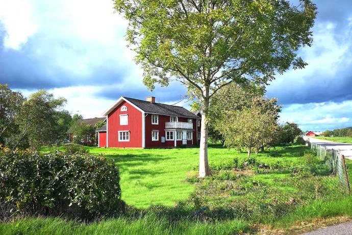 hemnet gårdar småland