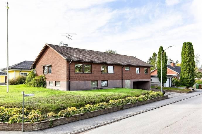 Bild: 6 rum villa på Vinterhagsvägen 20, Örebro kommun Lillån