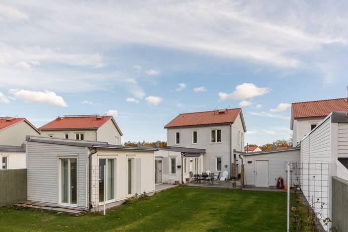 Bild: 4 rum villa på Slottsfogdevägen 52, Strängnäs kommun Mariefred