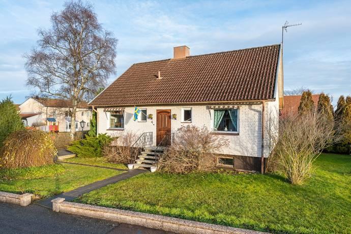 Bild: 5 rum villa på Lilla Kvarnvägen 4, Mjölby kommun Mantorp