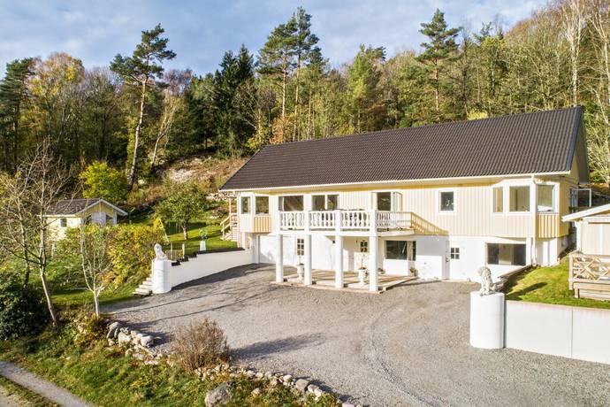 Bild: 8 rum villa på Skålldal 140, Kungälvs kommun