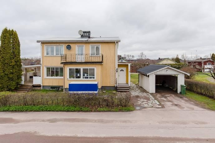 Bild: 5 rum villa på Hasselbolsvägen 6, Sunne kommun Centrala Sunne