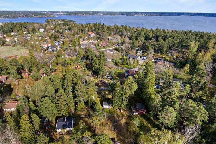Bild: 41 m² tomt på Måbärsvägen 8, Nacka kommun Gustavsvik