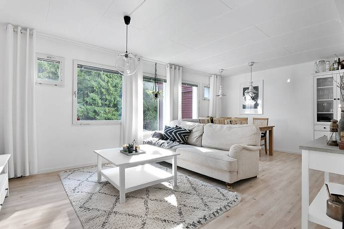 Bild: 3 rum bostadsrätt på Lärarinnevägen 3, Haninge kommun Vendelsö/Mårtensberg