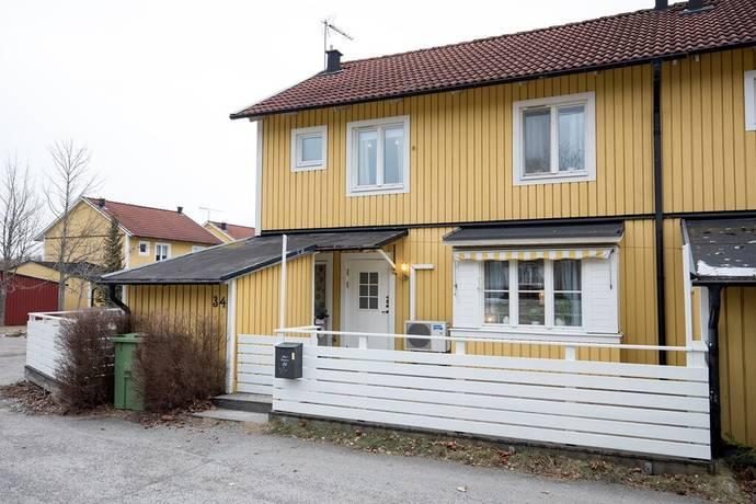 Bild: 4 rum radhus på Skördevägen 34, Strängnäs kommun Åkers Styckebruk