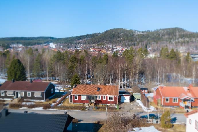 Bild: 7 rum villa på Haglundsvägen 9, Ljusdals kommun JÄRVSÖ, Centralt