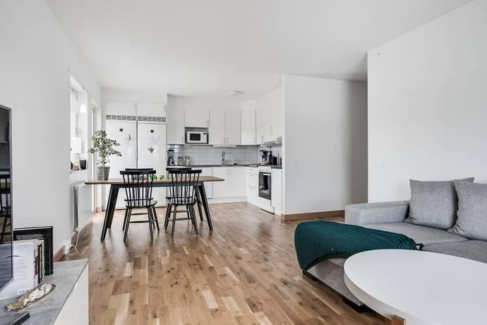 Bild: 3 rum bostadsrätt på Kiwigatan 9, Örebro kommun Mellringe / Nyponlunden