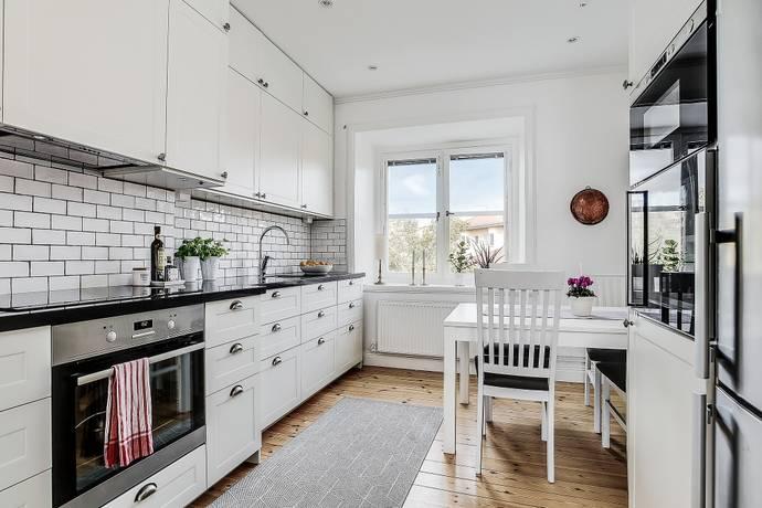 Bild: 3 rum bostadsrätt på Bokvägen 13, vån 4, Solna kommun Solna Gamla Råsunda