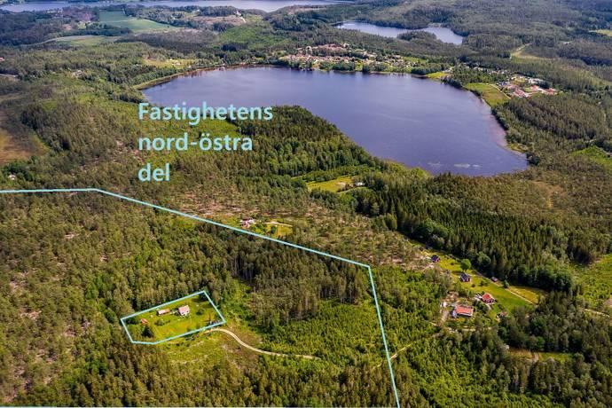 a1bb1451 Bild: gård/skog på Skogsmark i Flöghult, Strömstads kommun