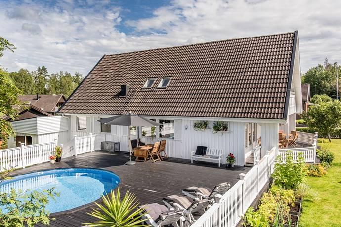 Bild: 7 rum villa på Stenhagsvägen 7, Flens kommun Mellösa centralt