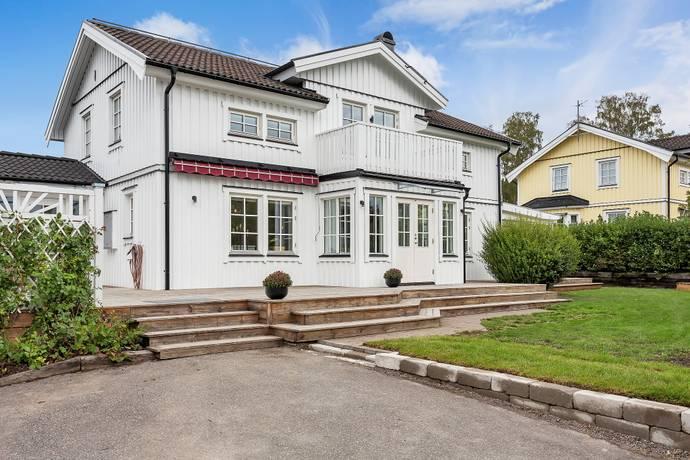 Bild: 5 rum villa på Bror Hjorths väg 9C, Uppsala kommun Björklinge