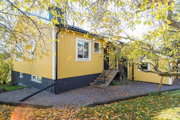 Bild: 5 rum villa på Bönstavägen 19, Nyköpings kommun Hagalund