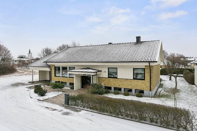 Bild: 7 rum villa på Diamantgatan 28, Varbergs kommun Träslöv