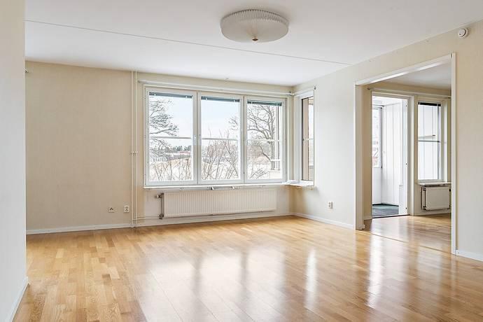 Bild: 4 rum bostadsrätt på Engelbrekts väg 73B, Sollentuna kommun Tureberg