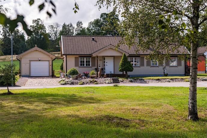 Bild: 5 rum villa på Ukredavägen 23, Ydre kommun Österbymo